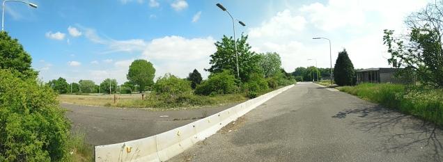 Deze zone was alleen voor vrachtverkeer. Vrijwel al het personenverkeer werd op de snelweg zelf gecontroleerd en afgehandeld.